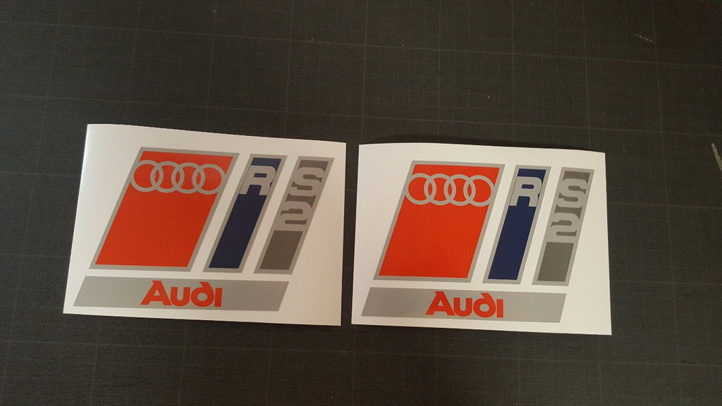 Lot de 2 Stickers Logo Audi RS2 - Dim 15 x 10 cm